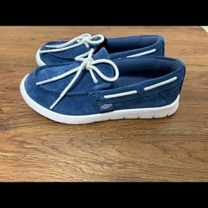 Boy's Uggs moccasins / boat shoes